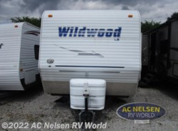 Used 2008  Forest River Wildwood LE 26TBSS by Forest River from AC Nelsen RV World in Omaha, NE