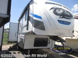 New 2019 Forest River Cherokee Arctic Wolf 285DRL4 available in Omaha, Nebraska