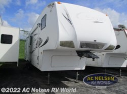 Used 2009 Keystone Cougar 320SRX available in Omaha, Nebraska