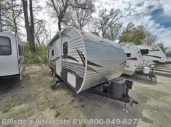 Used 2016  CrossRoads Zinger 211RD by CrossRoads from Gillette's Interstate RV, Inc. in East Lansing, MI