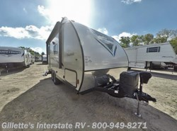 New 2018  Coachmen Freedom Express Special Edition 17BLSE by Coachmen from Gillette's Interstate RV, Inc. in East Lansing, MI