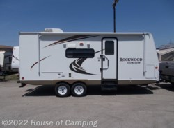 Used 2011  Forest River Rockwood Ultra Lite 2304S by Forest River from House of Camping in Bridgeview, IL