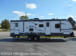 New 2018  Palomino Puma XLE 28 DSBC by Palomino from HW Motor Homes, Inc. in Canton, MI