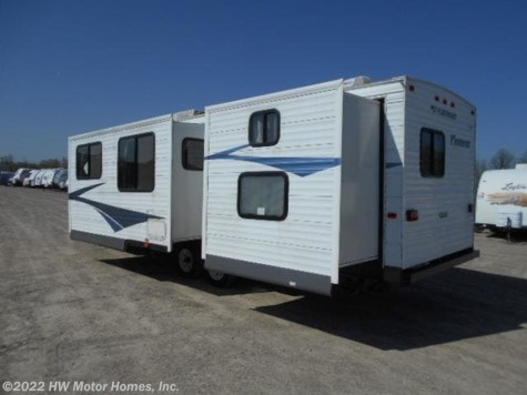 2006 Fleetwood Pioneer 32 ' - Double Slide