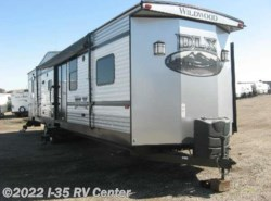 Used 2016  Forest River Wildwood 426-2B by Forest River from I-35 RV Center in Denton, TX