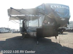 Used 2016  Miscellaneous  Cyclone RV CY 4200  by Miscellaneous from I-35 RV Center in Denton, TX