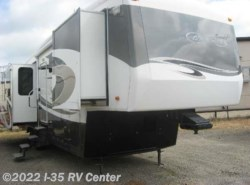 Used 2008  Carri-Lite  CL36SBQ by Carri-Lite from I-35 RV Center in Denton, TX