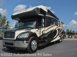 Used 2016  Jayco Seneca 37HJ by Jayco from Independence RV Sales in Winter Garden, FL