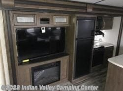 New 2018  Keystone Cougar Half-Ton 34TSB by Keystone from Indian Valley Camping Center in Souderton, PA