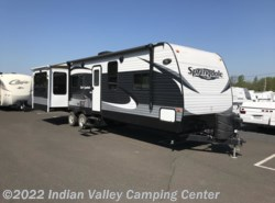 Used 2015  Keystone Springdale 311RE by Keystone from Indian Valley Camping Center in Souderton, PA