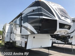 Used 2014  Dutchmen Voltage 3990 by Dutchmen from Ancira RV in Boerne, TX