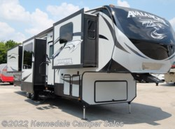 Used 2015  Keystone Avalanche 380FL 39'8""
