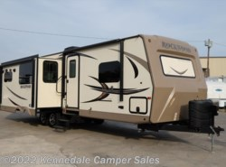 "Used 2017  Forest River Rockwood Ultra Lite 2906WS 33'11"" by Forest River from Kennedale Camper Sales in Kennedale, TX"