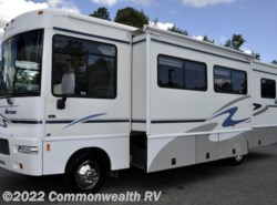 Used 2005  Winnebago Sightseer 30B by Winnebago from Commonwealth RV in Ashland, VA