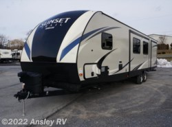 New 2017  CrossRoads Sunset Trail Super Lite SS331BH by CrossRoads from Ansley RV in Duncansville, PA
