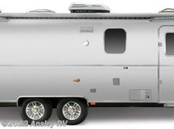 New 2018  Airstream Classic 33FB Classic by Airstream from Ansley RV in Duncansville, PA