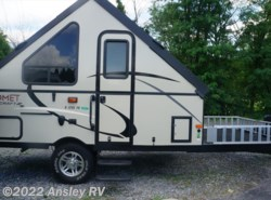 Used 2016  Starcraft Comet Hardside H1235FD by Starcraft from Ansley RV in Duncansville, PA