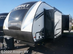 New 2018  CrossRoads Sunset Trail Grand Reserve SS33SI by CrossRoads from Ansley RV in Duncansville, PA