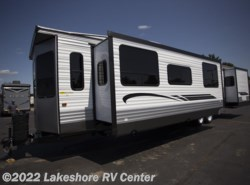 New 2018  Forest River Wildwood DLX 39FDEN by Forest River from Lakeshore RV Center in Muskegon, MI