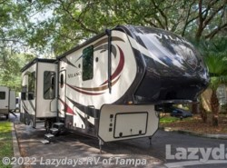 Used 2016  Vanleigh Vilano 325RL by Vanleigh from Lazydays RV in Seffner, FL