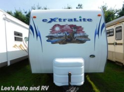 Used 2011  Forest River Wildcat EXTRALI 30BHS by Forest River from Lee's Auto and RV Ranch in Ellington, CT