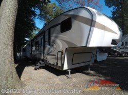 Used 2017  Keystone Cougar X-Lite 27RKS by Keystone from Leo's Vacation Center in Gambrills, MD