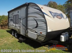 Used 2017  Forest River Wildwood X-Lite 201BHXL by Forest River from Leo's Vacation Center in Gambrills, MD