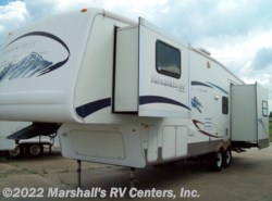 Used 2006  Keystone Montana Mountaineer 32 FW by Keystone from Marshall's RV Centers, Inc. in Kemp, TX