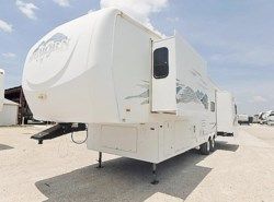 Used 2006  Heartland RV Bighorn 3400RL by Heartland RV from McClain's Longhorn RV in Sanger, TX