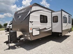 Used 2016 Keystone Hideout 29BKS available in Sanger, Texas