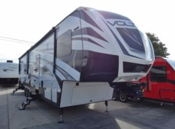 Used 2016  Dutchmen Voltage 3818 by Dutchmen from McClain's RV Superstore in Corinth, TX