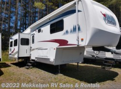 Used 2005  Forest River Cardinal 33LE by Forest River from Mekkelsen RV Sales & Rentals in East Montpelier, VT