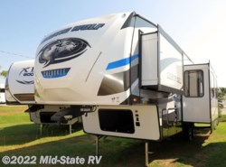 New 2018  Forest River Cherokee Arctic Wolf 315TBH8 by Forest River from Mid-State RV Center in Byron, GA
