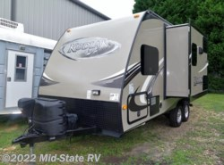 Used 2013  Dutchmen Kodiak 177QBSL by Dutchmen from Mid-State RV Center in Byron, GA
