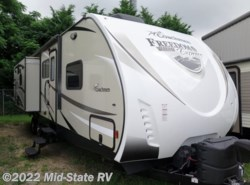 Used 2017  Coachmen Freedom Express Liberty 322RLDSLE by Coachmen from Mid-State RV in Byron, GA