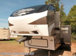 Used 2015 Keystone Cougar 301SAB available in Byron, Georgia