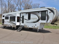 New 2018  Palomino Columbus  374BH by Palomino from Midway RV Center in Grand Rapids, MI