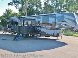 Used 2016  Keystone Fuzion Chrome  420 by Keystone from Midway RV Center in Grand Rapids, MI