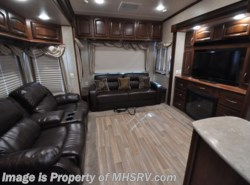 Used 2014  Palomino Columbus 320RS by Palomino from Motor Home Specialist in Alvarado, TX