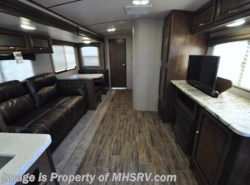 New 2018  Cruiser RV Radiance Ultra-Lite 25RK RV for Sale at MHSRV W/King Bed by Cruiser RV from Motor Home Specialist in Alvarado, TX