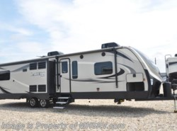 Used 2017  Keystone Laredo 334RE W/ 3 Slides, King by Keystone from Motor Home Specialist in Alvarado, TX