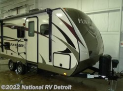 New 2017  Cruiser RV Fun Finder Xtreme Lite 19RB by Cruiser RV from National RV Detroit in Belleville, MI