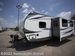 New 2019  Palomino Solaire Ultra Lite 292QBSK by Palomino from National RV Detroit in Belleville, MI