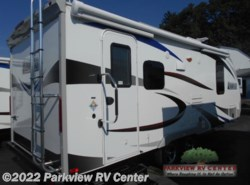 New 2017  Lance  Lance Travel Trailers 1995 by Lance from Parkview RV Center in Smyrna, DE
