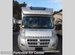 Used 2015  Winnebago Trend 23L by Winnebago from Parkview RV Center in Smyrna, DE