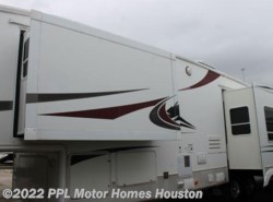 Used 2005  Keystone Everest 343L by Keystone from PPL Motor Homes in Houston, TX