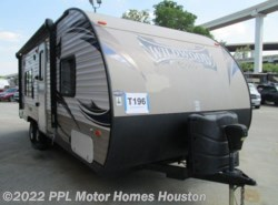 Used 2014  Forest River Wildwood X-Lite 241QBXL by Forest River from PPL Motor Homes in Houston, TX