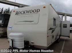 Used 2009  Forest River Rockwood Ultra Lite 2604 by Forest River from PPL Motor Homes in Houston, TX