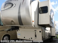 Used 2017  Palomino Columbus Compass 320RSC by Palomino from PPL Motor Homes in Houston, TX