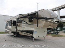 Used 2014  Thor  Redwood 36FB by Thor from PPL Motor Homes in Houston, TX